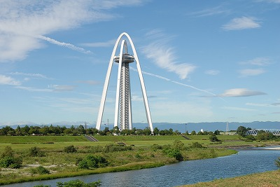 タワー右岸堤防より.jpg