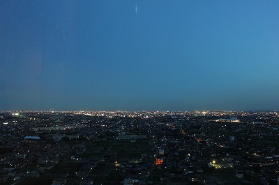 ツインアーチ138からの夜景.jpg