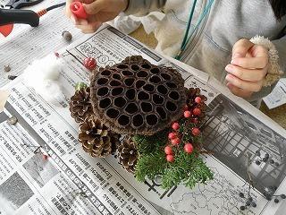 s-ハスの花托で作るクリスマスアート3.jpg